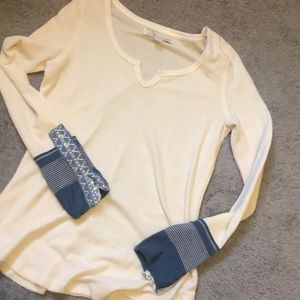 Tops - Waffle long sleeve with cute sleeves!